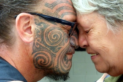 Bobbie & Riwiri Te Kowhai hongi, Ohinemutu Maori Village